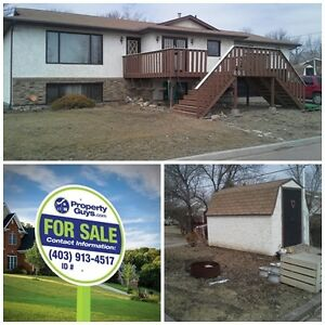 PRICE REDUCED! 3 Suite, Up/Down duplex, Beautiful Renovations!! Regina Regina Area image 1