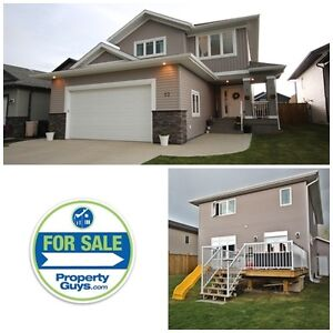 Beautiful Family Home in Penhold!!