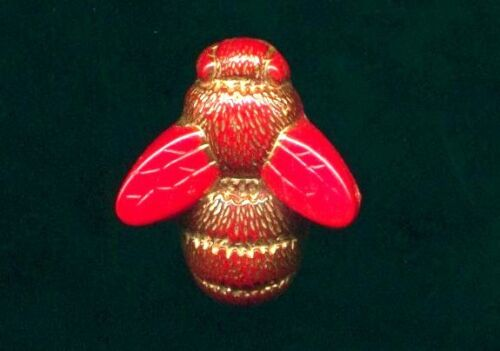 """Red Glass Bee Realistic Button with Gold Luster….Insect, Bug…3/4"""""""