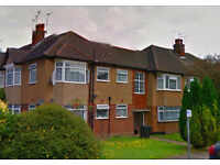 2 Bed ground floor flat on Beresford Gardens - £310,000 - In the heart of Enfield Town