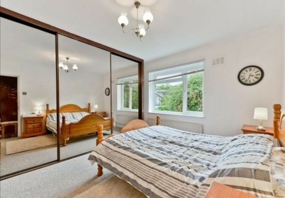 HUGE 4 BED HOUSE WITH GARDEN IN CLAPHAM
