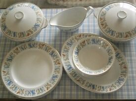 ALFRED MEAKIN 1960S VINTAGE RETRO GLO WHITE BAMBOO DINNER SERVICE