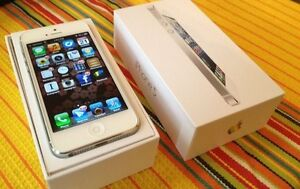 White iPhone 5 FIDO/Chat r/Rogers 64GB