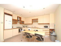 STUNNING 2 BED WAREHOUSE CONVERSION VERY CLOSE TO ALDGATE TUBE E1!
