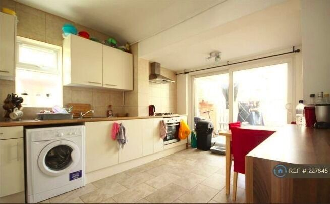 3 Double Bedroom House For Rent In Acton W 3 West London