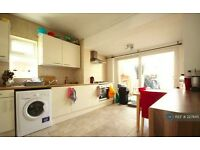 3 double bedroom house for rent in Acton. w 3 west London.