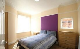 10 Bed With 10 En-suite Rooms in a Shared House, Bullwell, NG6