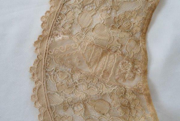 Vintage Normandy Net Lace Collar & Cuffs Ecru Beige Cotton Set Embroidered