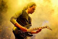 an experienced versatile guitarist offering guitar lessons
