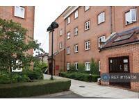3 bedroom flat in Nursery Lane, London, E2 (3 bed)