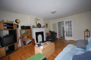 Fantastic 2 Bed on Spring Garden Close to DAL & SMU! AVAIL NOW