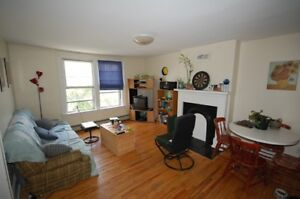 Fantastic 2 Bed on Spring Garden Close To DAL! AVAIL JULY