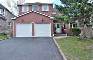 Beautiful 4 Bed 4 Bath Home in Newmarket! *OPEN HOUSE SATURDAY*