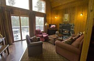 Mountaineous Chalet in Canmore Area - $166.67/per person max 6