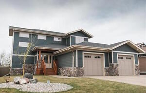 Stunning 5 bedroom house in Camrose for Sale! A must see!