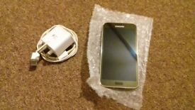 Samsung Galaxy S5 Gold - £85