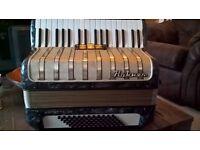 Hohner Accordion Arrieta 72 Bass