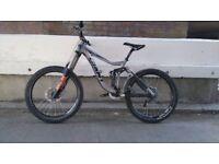 Downhill bike Giant Glory 00 make offer