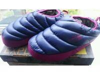 North Face Ladies Nuptse slippers XS