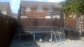 14 foot trampoline with safety net and cover