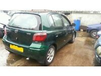 1999-2005 TOYOTA YARIS 1.0 PETROL BREAKING FOR PARTS IN GREEN AND WHITE