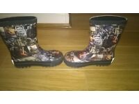 KIDS BRAND NEW BOOTS- SIZE 9