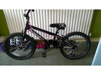 Girls bmx, 18inch wheels suit age 8-12