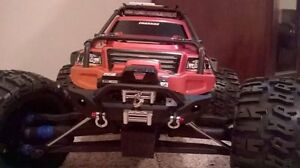 1/10 scale Traxxas Summit with brushless motor and extras