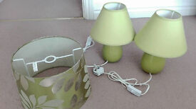 2 Table lamps and a lampshade