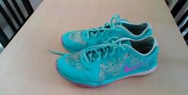 Nike ladies trainers