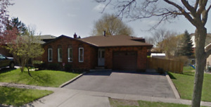 Rarely offered! 4 Bedrm home, highly sought after neighbourhood!