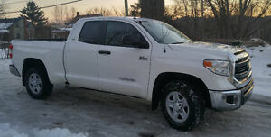 2015 Toyota Tundra *** 6 places ***