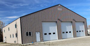 4200 SF Industrial Building FOR SALE