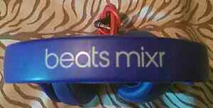 PAIR OF BLUE BEATS MIXR HEADPHONES FIRST $55.00 FIRM TAKE'S THEM