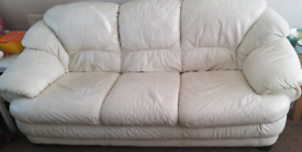 White Leather 3 piece Suite very comfy OPEN TO OFFERS
