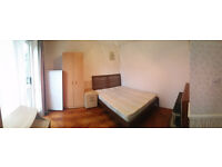Double room with garden. Small pets allowed. Available now! White Hart Lane zone 3