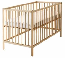 Cot with matress +2 fitted sheets+ Bumper pad