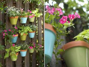 The pot hooks for terracotta pots