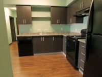 ★ 5 MINUTES FROM LAURIER WITH ENSUITE BATHROOMS FOR SEPT 2015