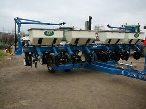 WANTED - KINZE 3500 8 row corn planter