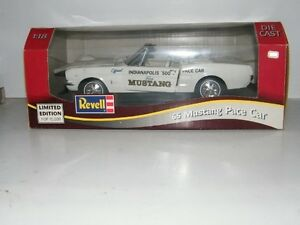 Revell-1965-Ford-Mustang-Pace-Car-Convertible-Limited-Edition-1-18-Scale