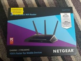 Netgear NIGHTHAWK SMART WIFI ROUTER Model: R7000 - Boxed Hardly Used