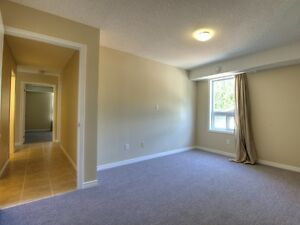 EVERYTHING INCLUDED FOR $595?! LAST 2 ROOMS AT 5 CARDILL CRES! Kitchener / Waterloo Kitchener Area image 4