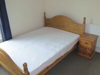 Double furnished bedroom in Derby shared house bills and Wifi included close city centre £300 month