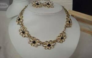 Gold Tone Necklace & Earring Set