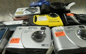 First Stop Swap Shop Wide Variety of Cameras Peterborough Peterborough Area image 3
