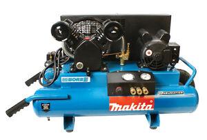 Superbe compresseur Makita 3hp état neuf huile négociable