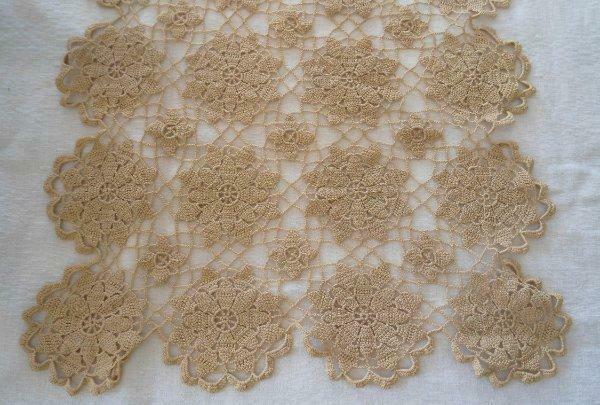 True Vintage Ecru Queen Annes Lace Crochet Lace Table Runner 39""