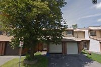 Beautiful 5 bedroom townhouse for rent in Kanata