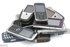 Old Flip Phones \ Electronic Devices